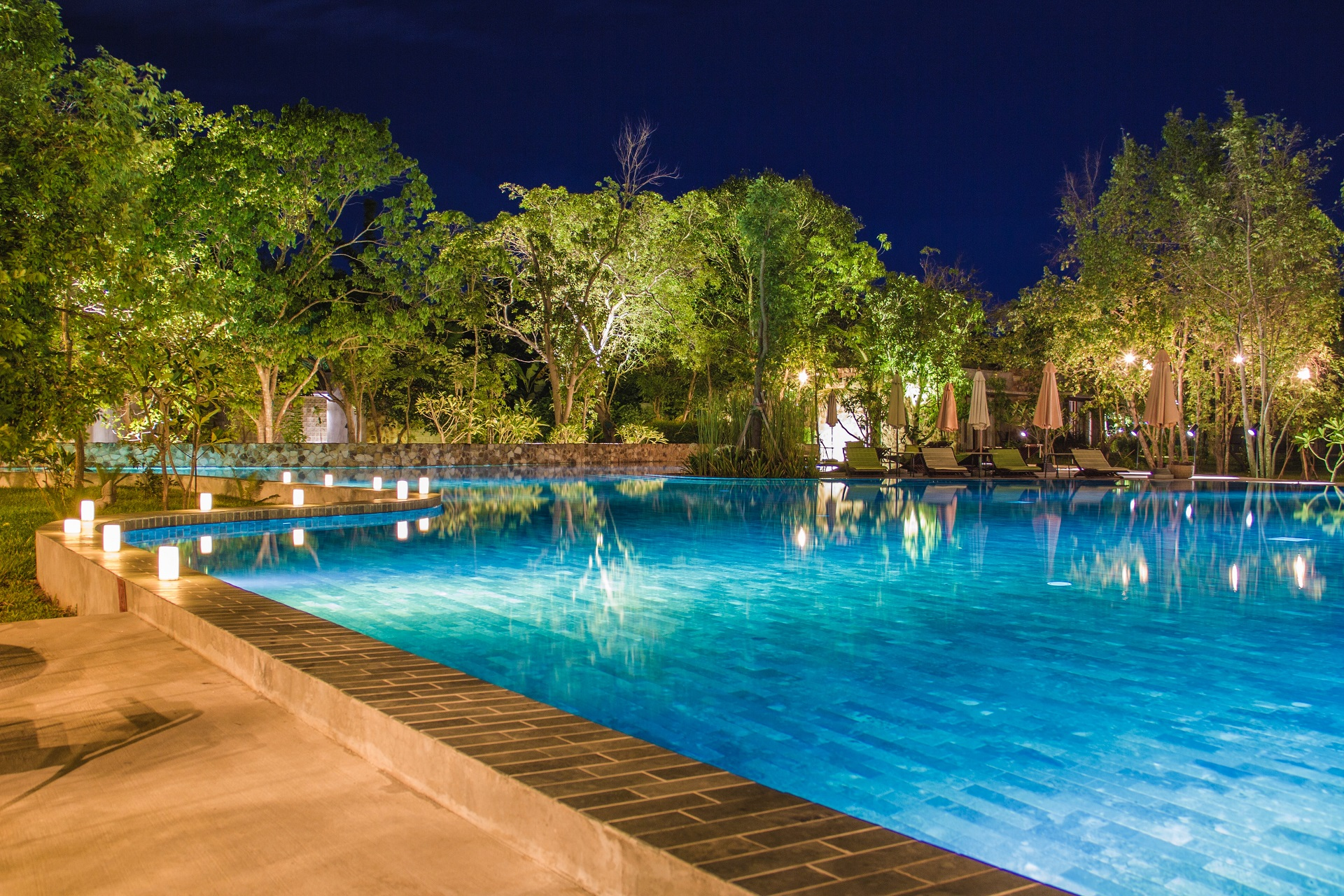pool during night